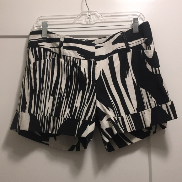 Express Pants - Express Black and White Linen Shorts